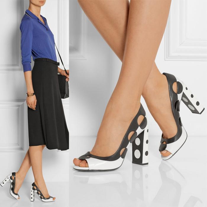 Страстная блондинка в чёрных чулках и на высоких каблуках смотреть онлайн 23 фотография