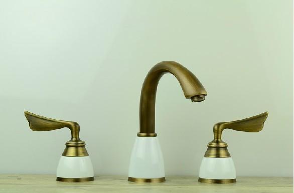 Free shipping vintage European style Deck Mounted 3 piece set Faucet Bathroom Sink Mixer faucets antique bronze Tap
