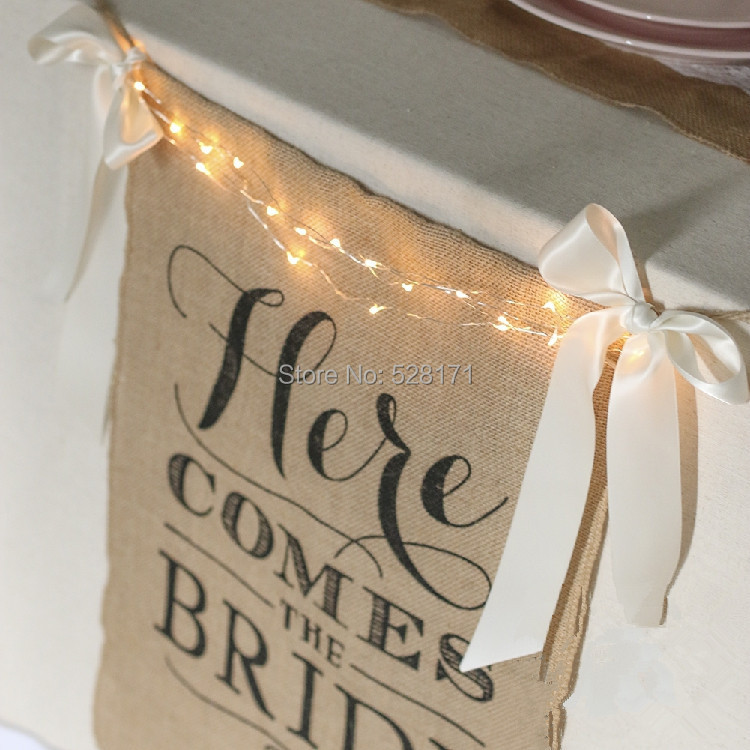 Free Shipping Jute Flags Here Comes the Bride Burlap Banner with White Ribbon and LED Light Wedding Decoration Khaki 40 x 50cm(China (Mainland))