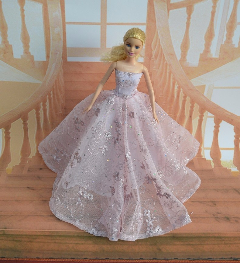 Scorching Promote New handmake wedding ceremony Gown prime quality outfit Clothes For Barbie doll a number of fashion out there