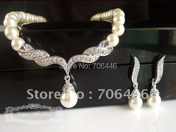 Silver Plated Tear Drop Cream Pearl and Rhinestone Crystal Bridal Necklace and earrings Jewelry Sets