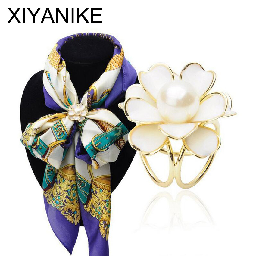 2017 New Best Deal Fashion Good Quality Tricyclic Camellias Imitation Pearl Scarf Holder Scarf Brooch Clips Jewelry XY-E224
