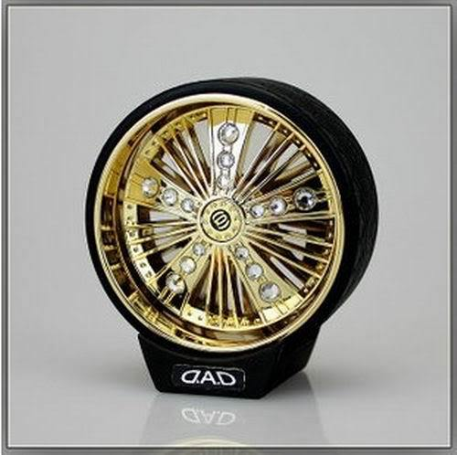 ONE PIECE D.A.D CAR VIP STYLE SWEET GOLDEN CRYSTAL WHEEL FRAGRANCE PERFUME(China (Mainland))