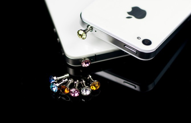 Diamond Dust Plug Universal 3.5mm Cell phone plug charms cap For iphone 4s 5s 5c samsung note 3 S4 ipad mini 1000pcs/lot(China (Mainland))