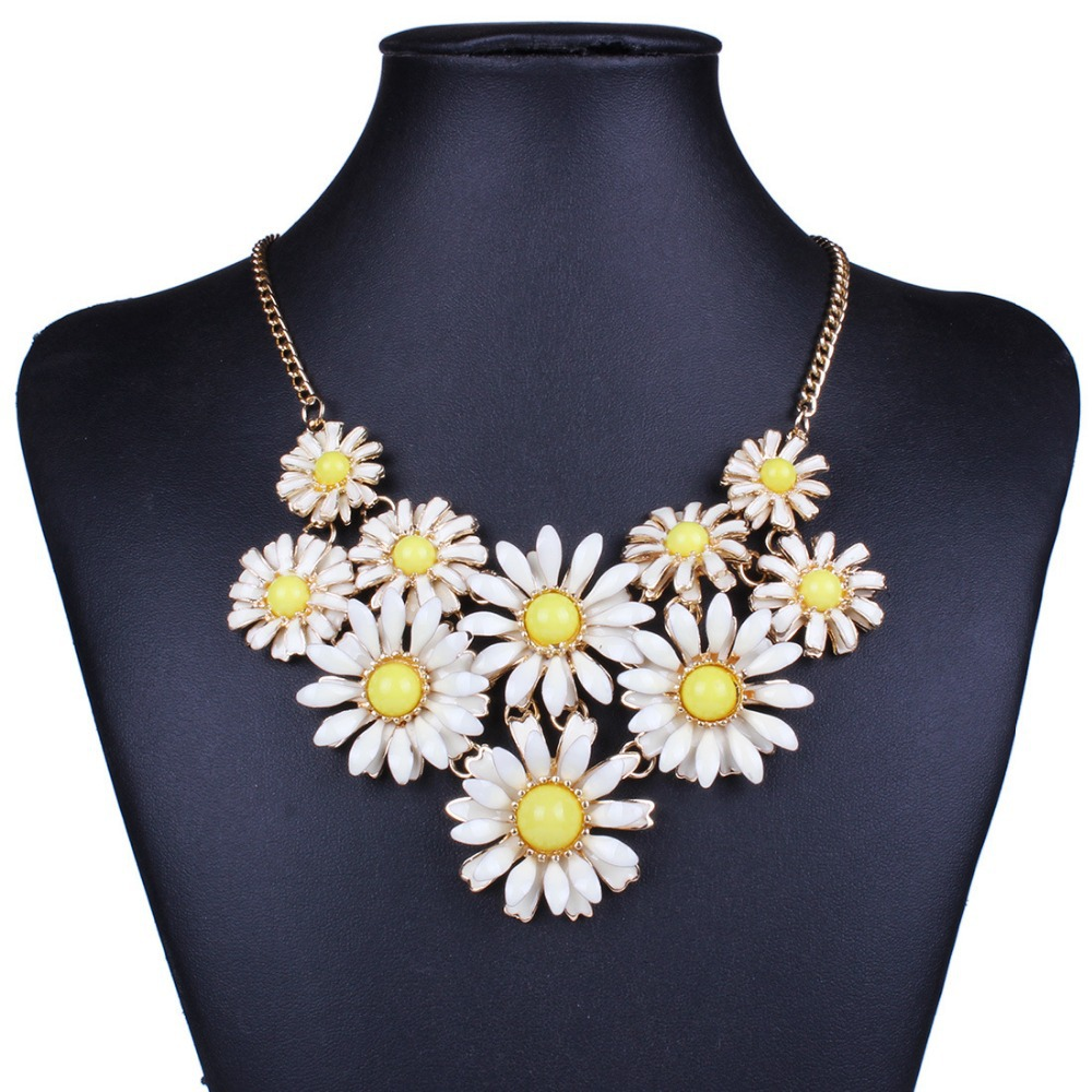 Fashion Bohemian Multicolors Rural Acrylic Daisy Statement Chokers Necklaces Jewelry For Ladies & Girls Party Gifts(China (Mainland))