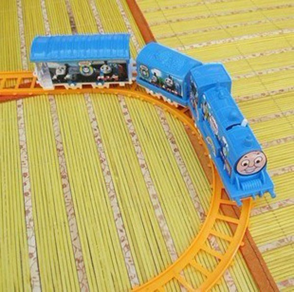 Thomas and train electric eight rails cars 8 tracks Friends Mini Electric Train Set Toy Vehicles toys for children(China (Mainland))