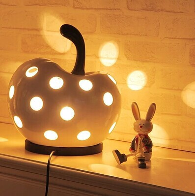 Through-Carved Desk Lamps,Lovely Apple table lamp, For bedroom Study Kids Room,E27,33*29*29CM,Bulb included(China (Mainland))