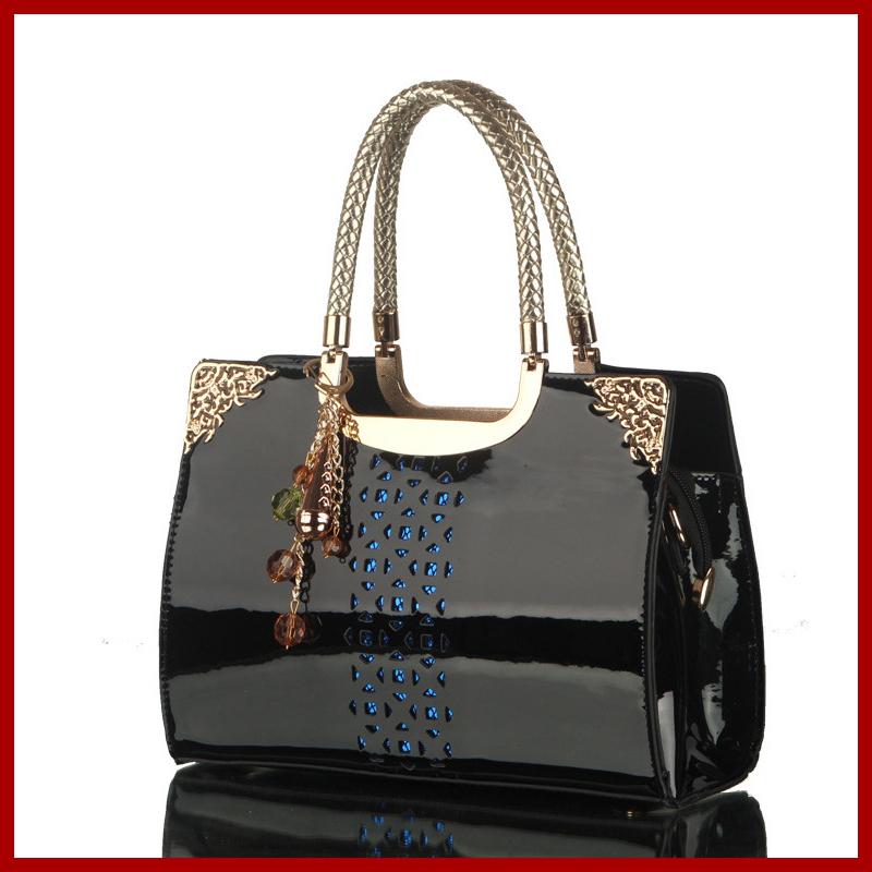 2015 New Fashion Hollow Out Women Bag Patent Leather Clutch Women Handbags Designer Women Messenger Bags Shoulder Bags Bolsas(China (Mainland))