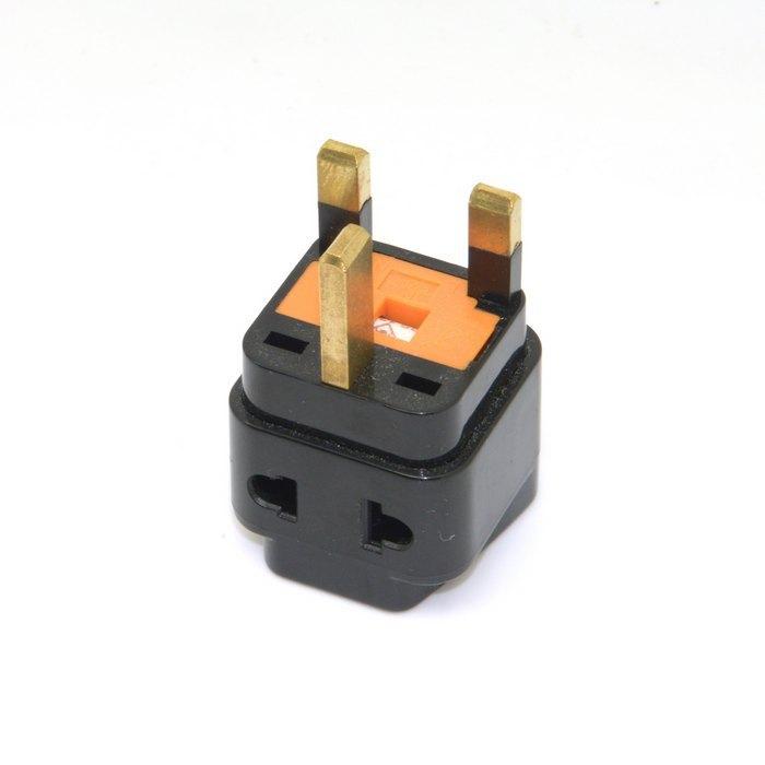 Universal 3 pin AC United Kingdom UK Power Splitter Adapter Travel Converter Australia UK USA EU With Replaceable fuse(China (Mainland))