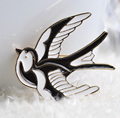 Black White Enamel Flying Birds Brooches 18K Gold Plated Blue Animal Corsages For Hats Suit Clothes