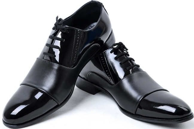 men black leather shoes casual Business shoes Men Brand Pointed Toe Lace-up Dress shoes man Flats Size: 38-44 #E0081(China (Mainland))