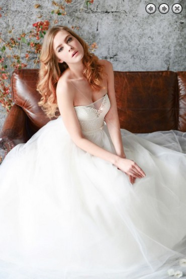 free shipping 2013 new fashion sweetheart white long crystals princess beaded intricate plus size bridal gowns wedding dresses(China (Mainland))