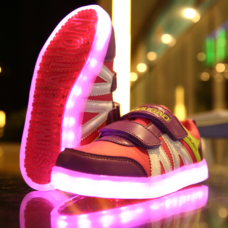 Фотография Fashion Cartoon Children Shoes Kids Shoes With Lights  Led USB Charging Outsole Flats Glowing Grils Shoes Boys Sneakers AG25