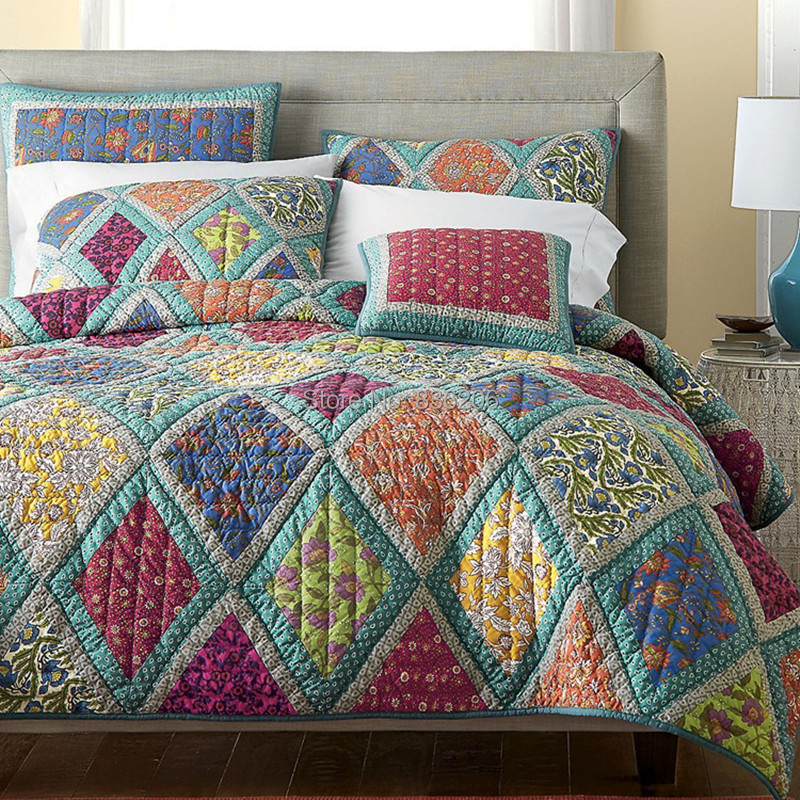 American style 100 cotton quilted handsewn bedspreads for Quilted kitchen set
