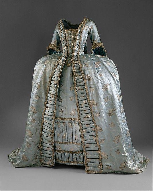 Victorian Costume satin dress Victorian dress satin dressla dies blouse long prom dresses ruffle blouse(China (Mainland))