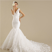 Manufacturers wholesale 2015 sexy slim deep v-neck fishtail dress flowers plus size mermaid wedding dresses with long train(China (Mainland))