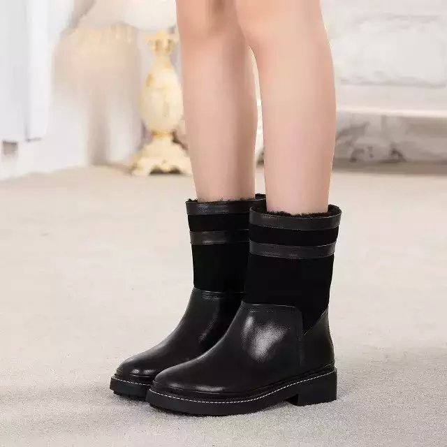 how to wear leather boots in snow