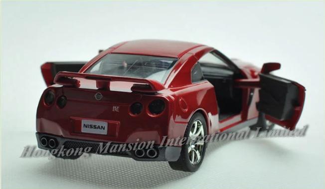 132 Nissan GT-R (5)