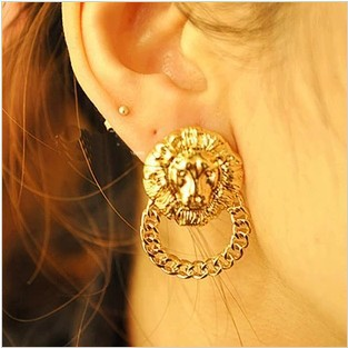 Women 2015 New Vintage Lion Head Earrings(China (Mainland))