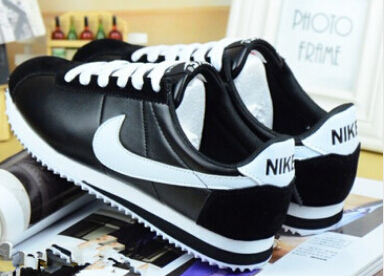 Mujeres Con Zapatos Nike Code Cortez Coupon For A9413 60626 QrdhtsC