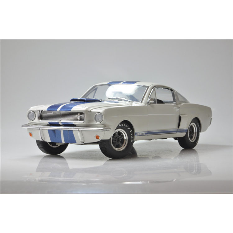 1:18 ShelbyCollectibles Ford GT350 Ford Mustang Shelby 1966.(China (Mainland))