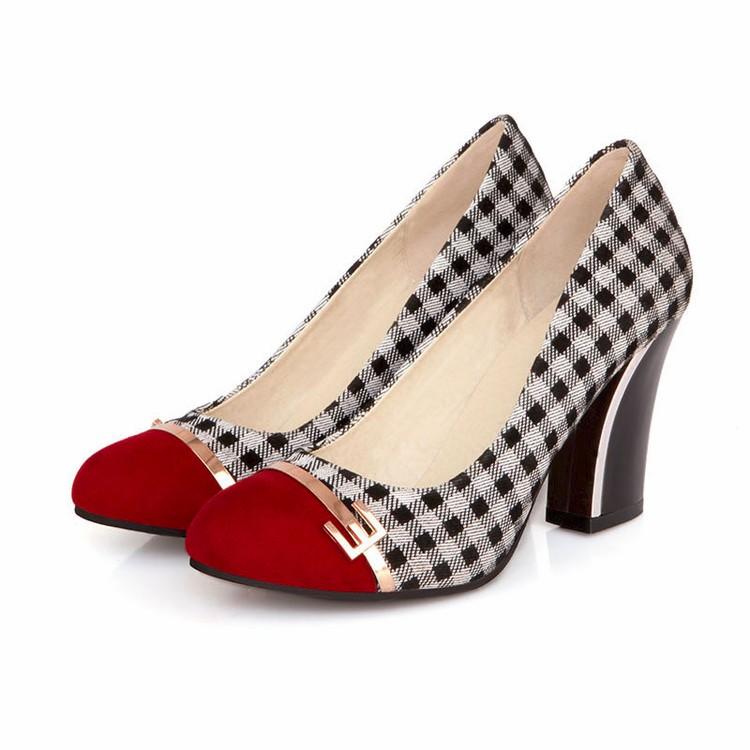 ซื้อ แฟชั่นลายสก๊อตสำนักงานอาชีพปั๊มนิ้วเท้ารอบสำหรับผู้หญิงสีดำสีขาวสบายๆรองเท้าส้นหนา