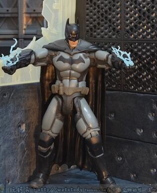 free shipping DC Batman wars 6 inch ultra heavy armor Batman action figure model The height of 6 inchaction figure model 18CM(China (Mainland))
