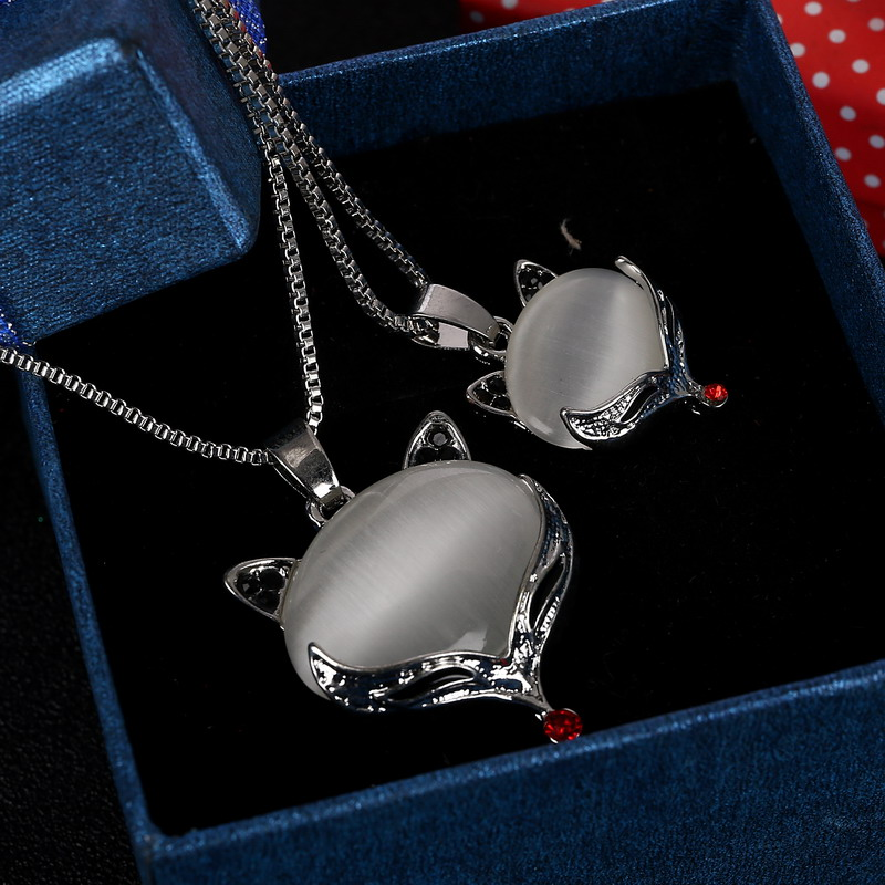 Brilliant Fox Pendant Necklace For Girl Beautiful Double Chain Necklace Delicate Cat's Eye Created Gemstone Necklace(China (Mainland))