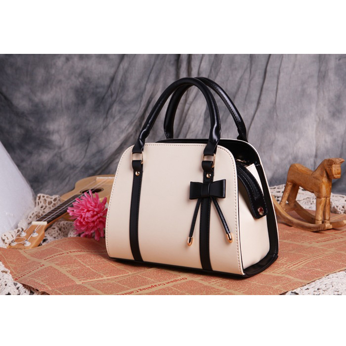 popular leather purses