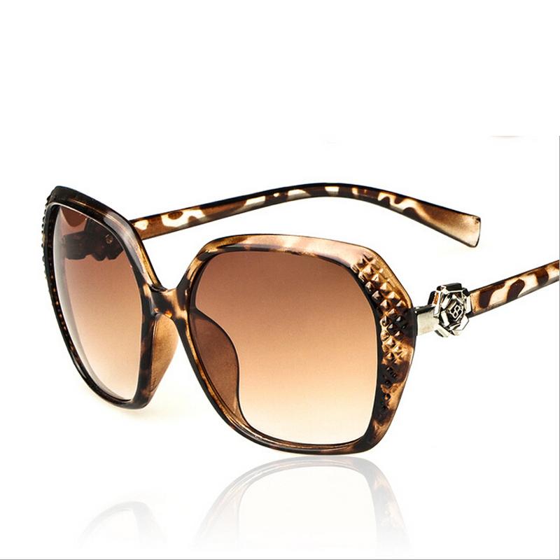 2015 Carving flower sunglasses Vintage Elegant Roses hinge Sunglasses Women Brand Fashion Charm Goggle Sun Glasses(China (Mainland))