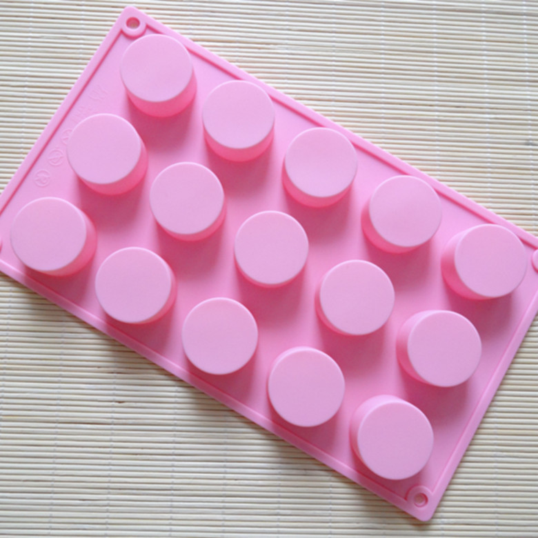 Supplier of cylindrical Circular 15 even chocolate handmade soap molds silicone cake mold(China (Mainland))