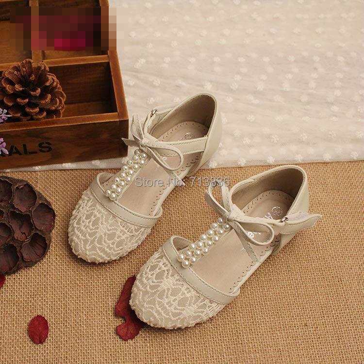 zapatos deportivos para damas o niñas talla 38 nuevo moda flores bordadas. nuevos precio de remate Entrega personal Chacao, Altamira y envíos. Transferencia banesco provincial y .