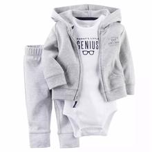 2017 мальчиков уютный капюшоном серый пиджак моды дети мальчик одежды наборы Из Трех частей хлопок полосатые мальчиков мило Моды наборы(China (Mainland))