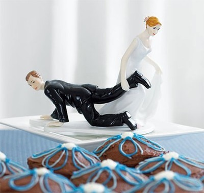 Take off the foot wedding cake toppers decorations lovely bride and bridegroom Figurine decor Valentine's Day gift(China (Mainland))