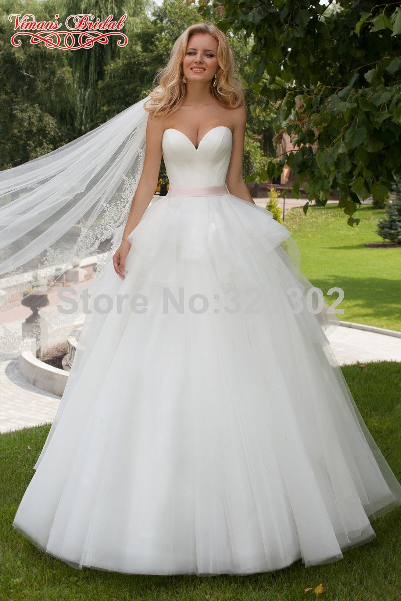 Pics for pink and white wedding dresses for Wedding dress with red ribbon on waist