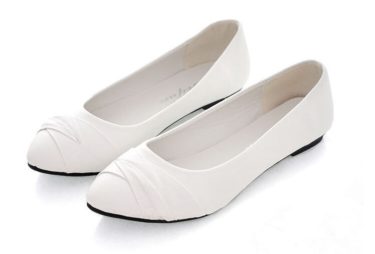 Ivory Wedding Shoes,Wedding Ballet Flats,Ivory Flats,Bridal Shoes,Flat Wedding Shoes,Bride,Bridesmaid,Gift,Ivory Satin Flats with Ivory Lace Ballet Flats With Ribbon. Low Heel Shoes. Pointy Ballet Flats. Leather Ballerinas. Bridal Flat Shoes. Bridesmaids Gift Ivory or white ballerina flats, Satin shoes, baptism shoes, baby wedding.
