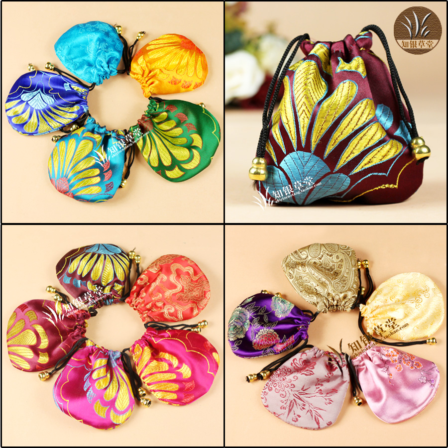 Small silk bags jewelry gift box jewelry beads bags jewelry packaging bag small pounch 11x11cm chinese style gift Brocade bag(China (Mainland))