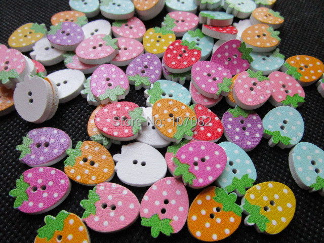 200pcs 12*16mm Dots Pattern Wood Strawberry Shape Buttons 2 Holes Buttons For Sewing Jewelry Making Decorations Scrapbooking(China (Mainland))