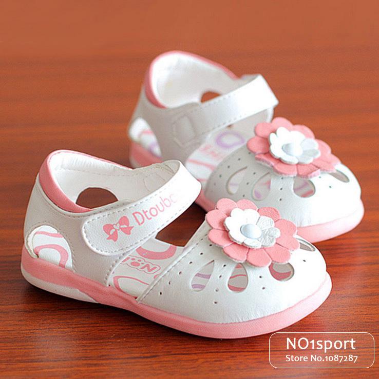 Achetez en gros sandales blanches qui grincent en ligne - Chaussures qui grincent ...