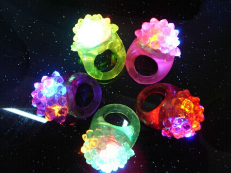 Multicolor soft silica gel Strawberry neon flashing finger rings , finger led light lamps(China (Mainland))