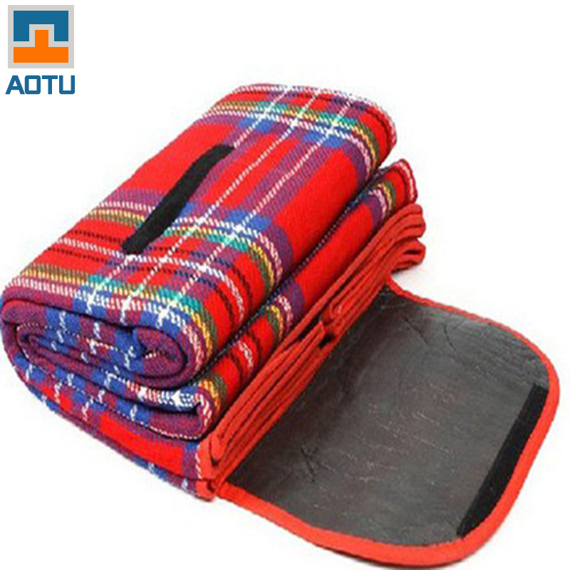 Free shipping 1.5*2M  Outdoor Beach Picnic Camping Mat Multiplayer Fold Waterproof Moistureproof Baby Climb Plaid Blanket