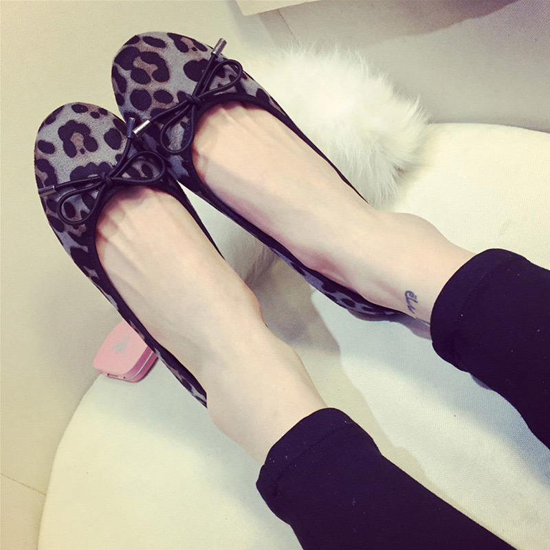 Leopard Print Spring and Autumn Flats Women Casual Flat Heels Elegant Brand Shoes Soft Comfortable Insole W001 Free Shipping(China (Mainland))