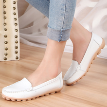 Spring and summer flat shoes genuine leather mother shoes plus size women's shoes nurse shoes cutout Moccasins female casual(China (Mainland))
