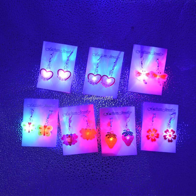 2017 Hot Light LED Bling Ear Studs Earrings Ear Dance Birthday Party Supplies Wedding Disco Women Girls Wedding Favors