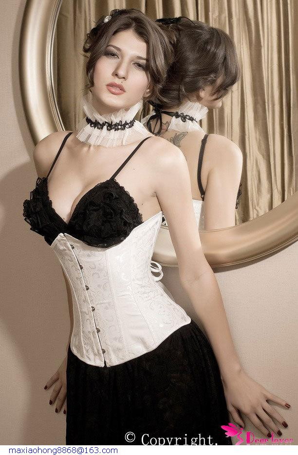 how to wear a corset under everyday clothes