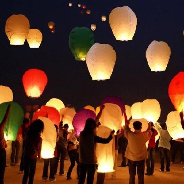 Wholesale 10pcs/lot Flying Wishing Lamp Chinese Lanterns Paper Kongming Lantern Balloon Sky Lanterns for Birthday Wedding Party(China (Mainland))