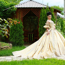 Vintage Taffeta Gold Wedding Dress Strapless Lace Applique Beads Ball Gowns Chapel Train(China (Mainland))