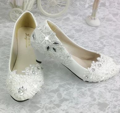 Fashion new coming women wedding shoes spring autumn fall comfortable med low high heels rhinestones silver lace bridal shoes(China (Mainland))