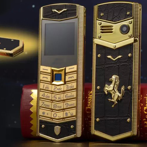 Luxury Mobile Phone With Dual SIM Card Cartoon Sports Car 1.8 Inch Luxury Mini Phone (Can Add Russian Keyboard) SD006(China (Mainland))