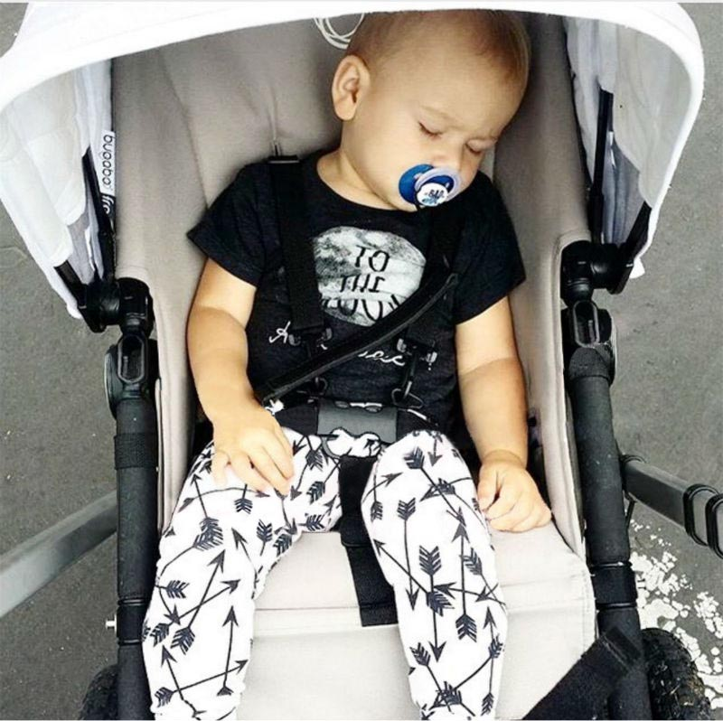 2016 newborn baby boy casual mom hot silver pattern letters printed cotton short-sleeved T-shirt + shorts baby clothes suit(China (Mainland))